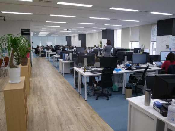 高橋飛翔とヴォラーレ株式会社の五反田新オフィス見学 (5)