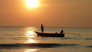 fishing-at-sunset-209112_1920