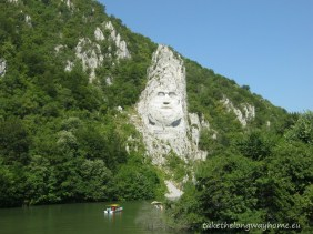 Statuia Regelui Decebal, cea mai înaltă sculptură în piatră din Europa