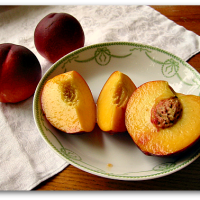 The Best Way to Ripen Peaches