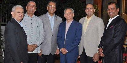 Ambiorix Rivera, Luis Arias, Simón Lizardo, Luis Rivera, Mícalo Bermúdez y Soto Bermúdez.