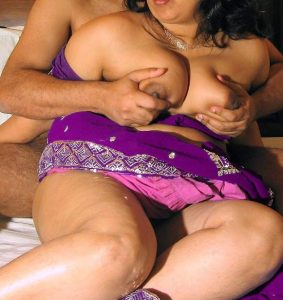 south-indian-couple-boobs-squeezed
