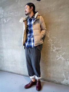 シャツ×ダウンジャケット×パンツ×靴