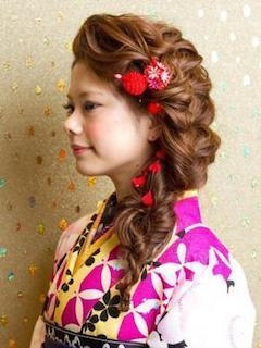 成人式のゆるふわ編み込みヘアー