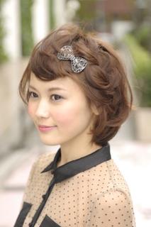 入学式のスーツにあうショート女性の髪型 10