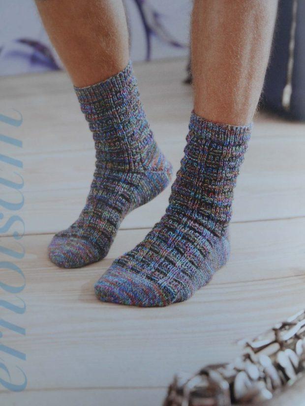 """... oder auch eine Variante, die ihr hier schon im November als """"Mystery-Socke"""" kennenlernen durftet :) Foto: Schachenmayr.com"""