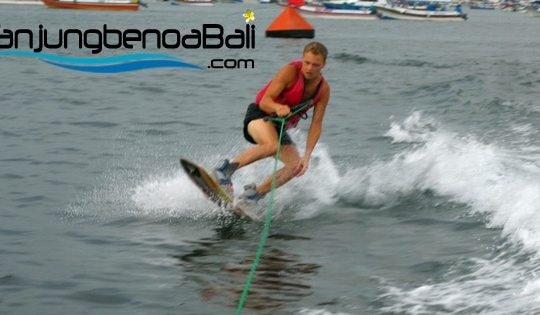 Wakeboard Tanjung Benoa Bali