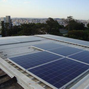 02 - Arranjo fotovoltaico instalado - 15 x 250Wp Canadian Solar