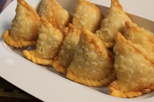 طريقة عمل السمبوسة الهندية بالجبنة