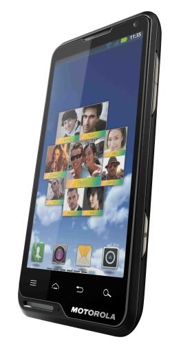 motoluxe dyn r Motoroal lança no Brasil os smartphones Android Motoluxe e Defy Mini
