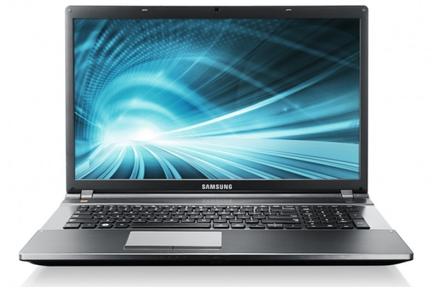 Samsung NP550P7C e1336498298513 800x529 Samsung mostra novos portáteis da Serie 5 550P no Reino Unido, com processador Ivy Bridge e telcado numérico