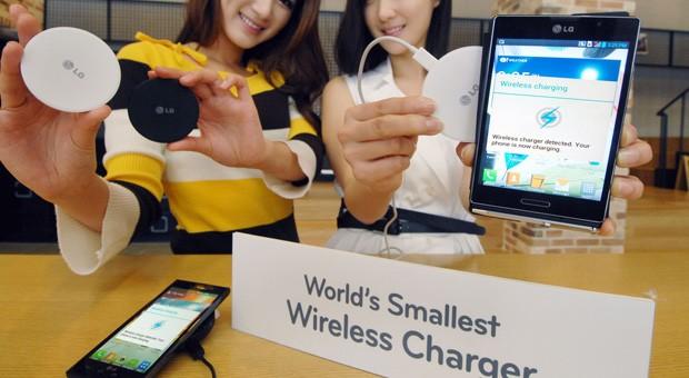 lg wireless charger 1361859092 LG lança o menor carregador sem fio do mundo na MWC 2013