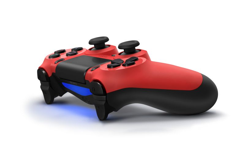 ds4red05pers1376998742 Sony anuncia versões coloridas do controle DualShock 4, carregadores e base para o Playstation 4