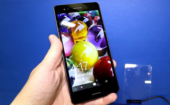 wistron Alguns protótipos com Windows Phone são vistos na Computex 2014. Um deles com 6.45 polegadas