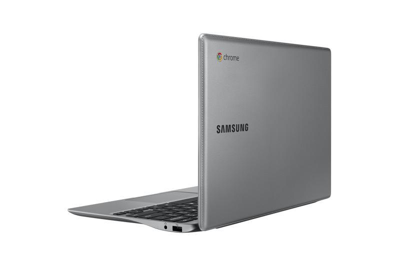 xe500c12 13 012 back open silver 1 Samsung Chromebook, agora com um elegante revestimento de couro
