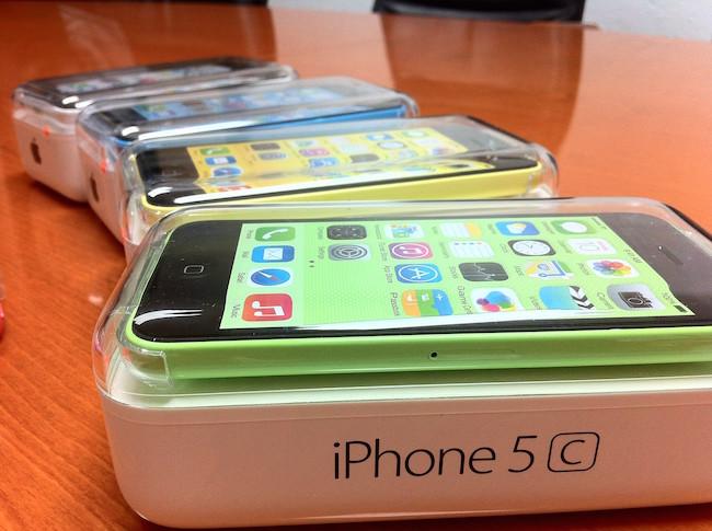 iphone 5c iPhone 5c pode parar de ser produzido em 2015
