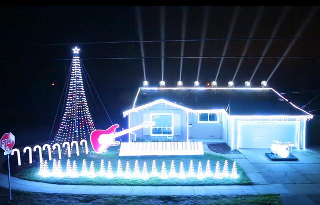 star wars christmas lights Homem sincroniza iluminação de Natal de sua casa com o tema de Star Wars