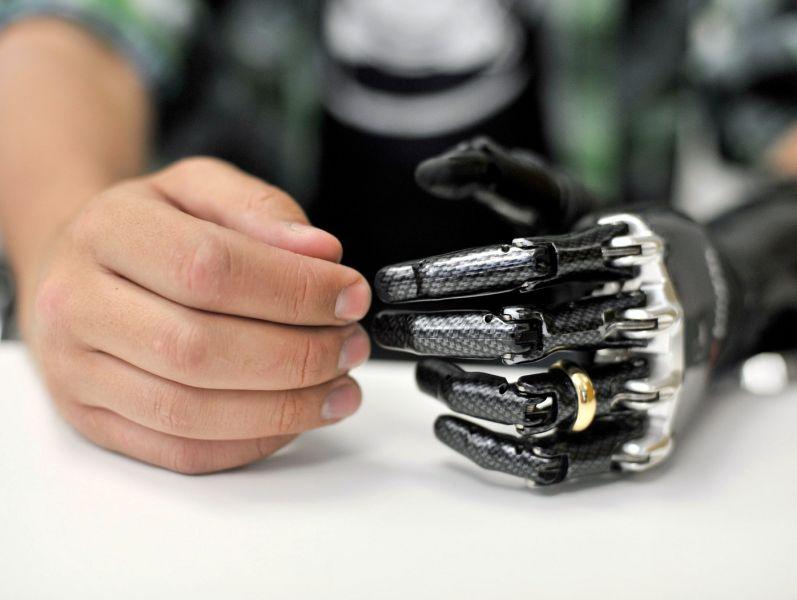 4-masons-bionic-ring-finger-lead-1