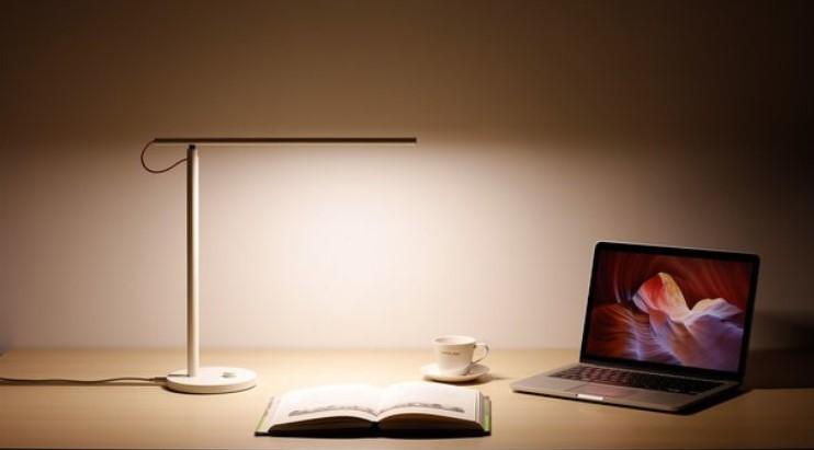 Xiaomi Mi Smart LED Lamp-02