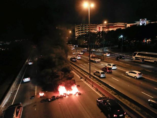 protesto_taxistas-liberacao_uber_leonardo_benassatto_estadao_conteudo