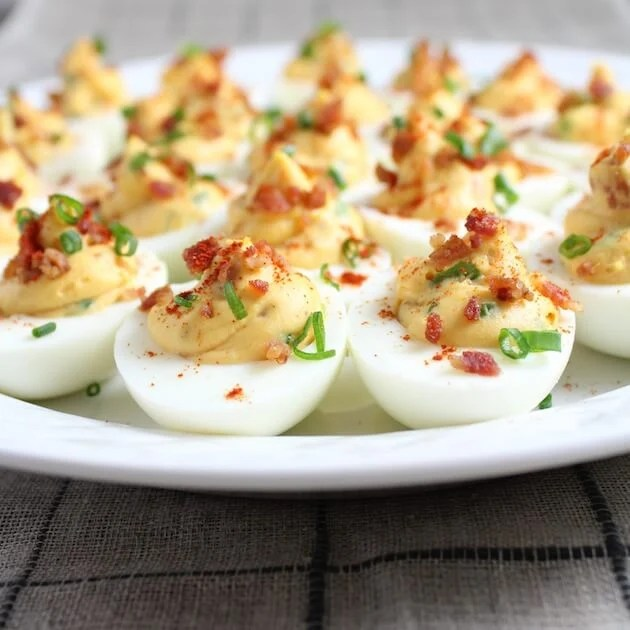 These Smoky Deviled Bacon & Eggs are so perfectly delicious ...