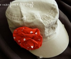 4-Hat+red+flower[1]