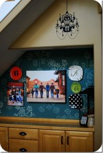 My Family Picture Wall Makeover