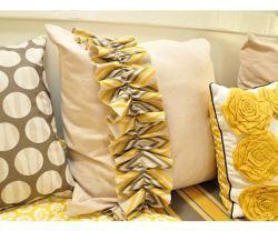 banquette+pillows[1]