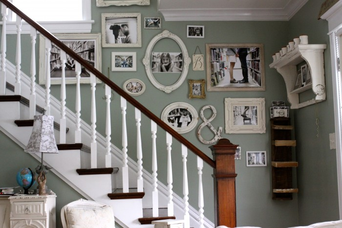 Creating a family picture wall step 1 the placement - Stairway photo gallery ideas ...
