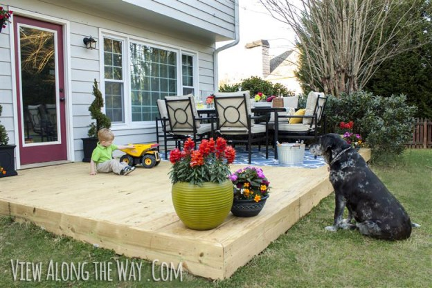 Great ideas 21 backyard projects for spring for Deck decorating ideas on a budget