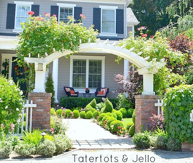 #1905Cottage 12 DIY PergolaTrellis And Gate Ideas!! -- Tatertots And Jello