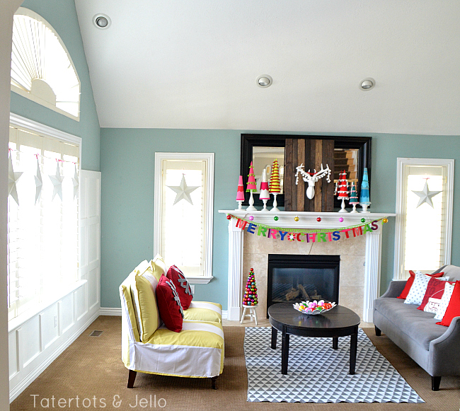 bright and colorful holiday decorating at tatertots and jello