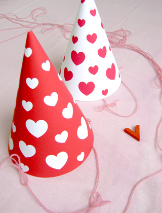 printable-party-hat-valentines[1]