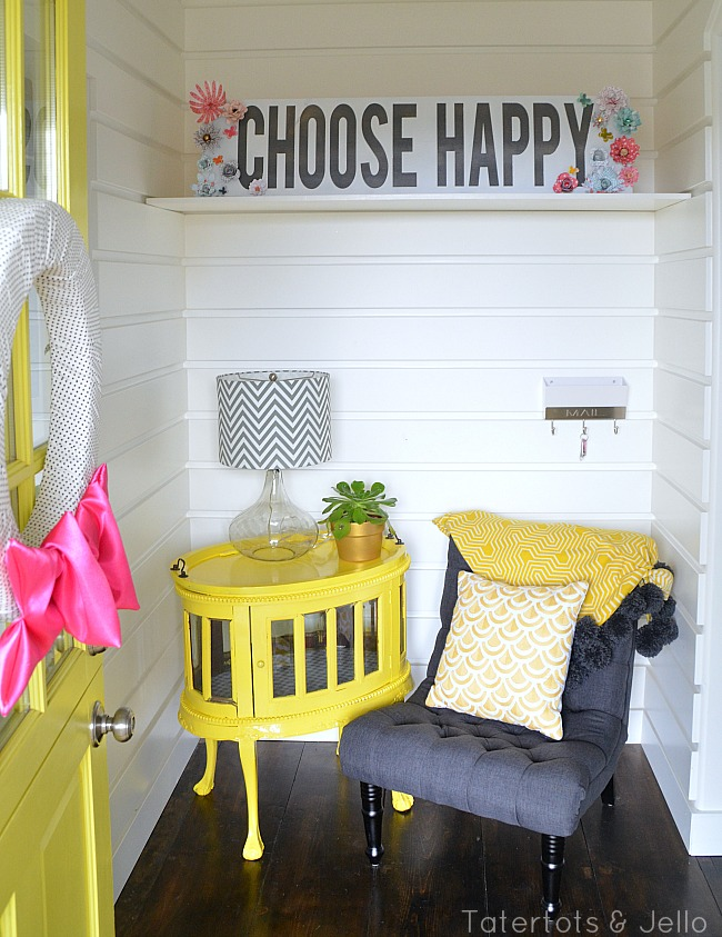 choose happy sign with flowers at tatertots and jello