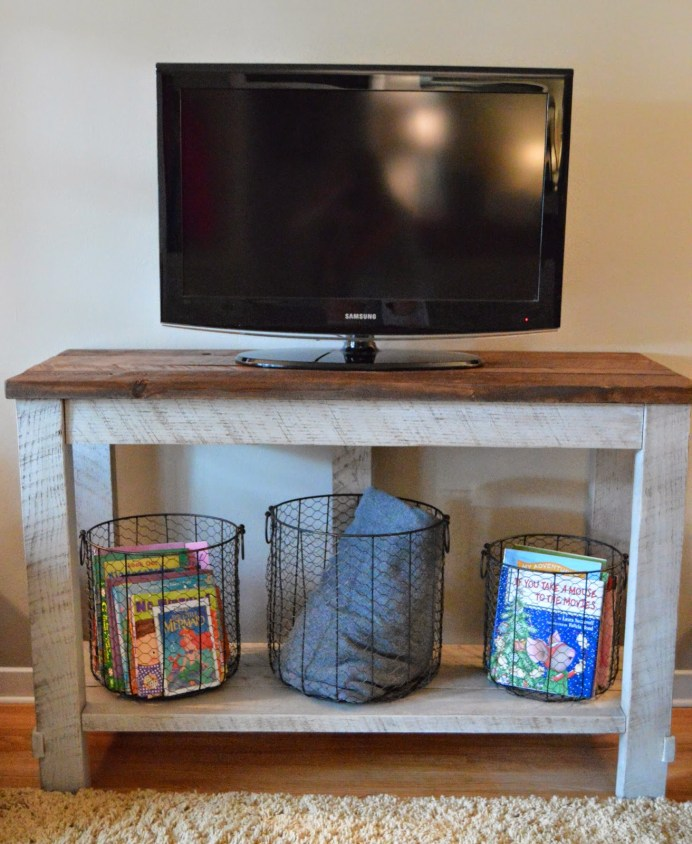 Diy reclaimed wood tv table for Diy tv table