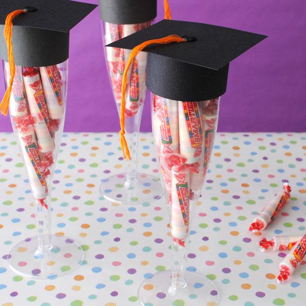 20 DIY Graduation Ideas -- Tatertots and Jello