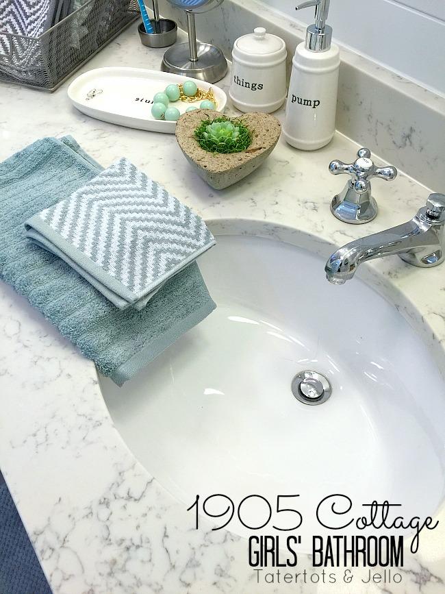 1905 cottage shared bathroom