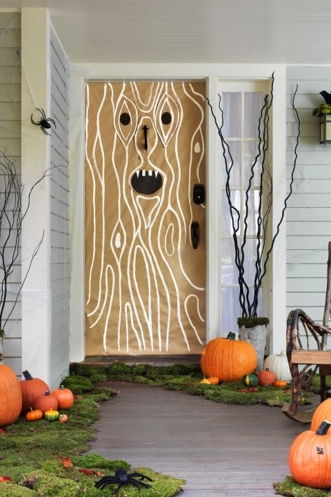 12 spooky halloween porch ideas for Haunted woods ideas