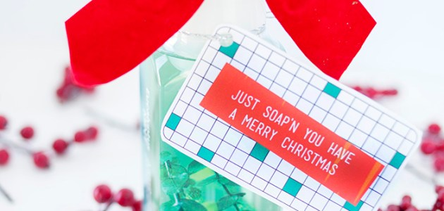 Free Christmas Printable Gift Tags and Soap Gift Idea! Add these fun tags to liquid soap for a fun holiday gift for anyone!