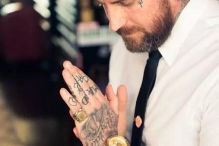 hand tattoo 39