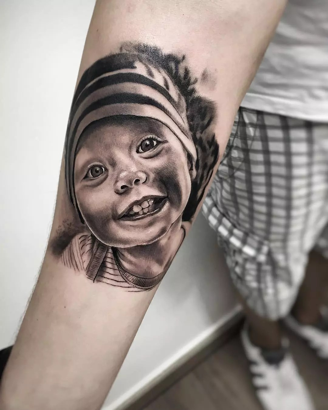 65 Rousing Family Tattoo Ideas – Using Art to Honor Your Loved Ones of 38 by William