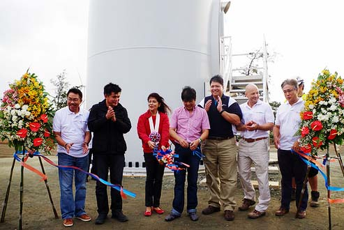 "81MW WIND FARM OPENING. Senator Ferdinand ""Bongbong"" Marcos and Ilocos Norte Governor Imee Marcos cut the ribbon during the opening of the 81 MW Wind Farm in Pagudpud, Ilocos Norte. Assisting them are Atty. Wilfredo M. Penaflor, Pagudpud Mayor Marlon Sales, AC Energy Holdings President John Eric Francia, and Brian Caffyn, UPC Renewables. Photo by Provincial Government of Ilocos Norte, Community and Media Office /Alaric A. Yanos"