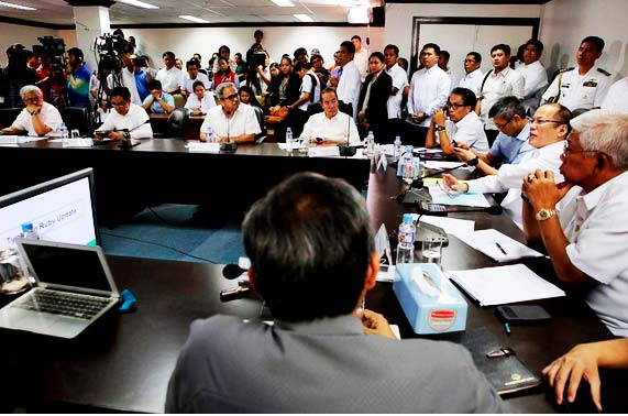 PRE-DISASTER PREPARATIONS FOR TYPHOON RUBY. President Benigno S. Aquino III presides over a meeting on the government's pre-disaster preparations for Typhoon Ruby at the National Disaster Risk Reduction and Management Council (NDRRMC) headquarters in Camp Aguinaldo in Quezon City on December 4, 2014. (Photo by the Malacañang Photo Bureau)