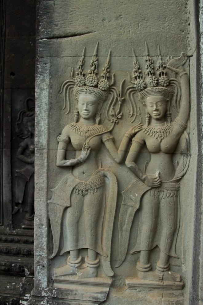 AngkorWat2Dancers
