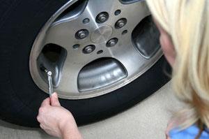 車 長期 保管 方法 場所 タイヤ バッテリー 3