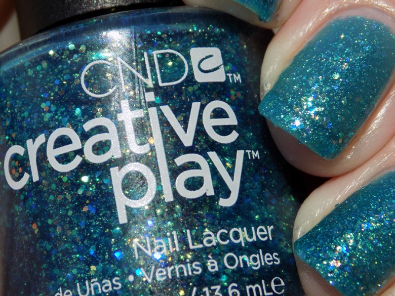 CND Creative Play Express Ur Em-oceans from Sunset Bash Collection - Swatch Sunlight Closeup