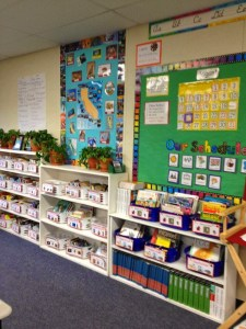 bookshelves lined up in classroom.