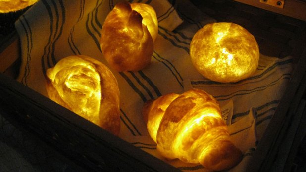 LED-Lamps-Made-From-Real-Bread