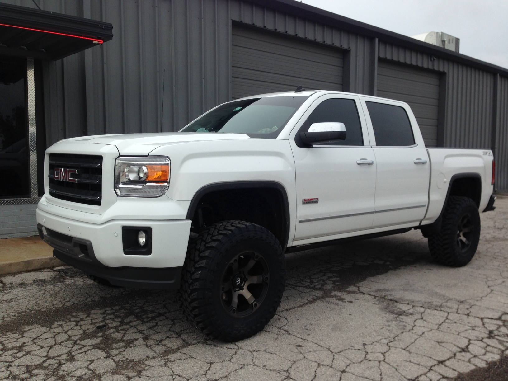 Lund Truck Bed Covers ... lift Fuel Beast Nitto – Performance Truck Outfitters Tulsa, OK