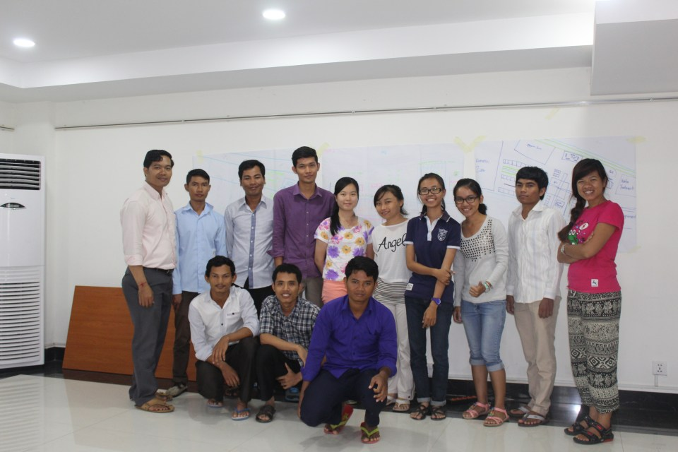 Trainees & Trainers took a group photo